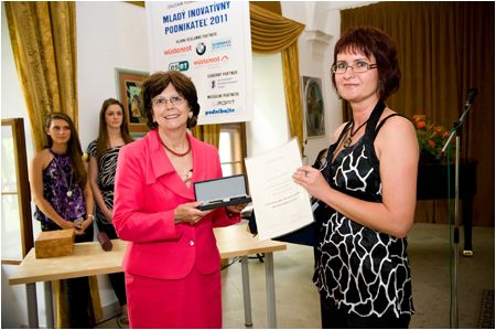 Mrs. Ga�parovi�ov� gave the First Lady Award