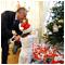 Pred Prezidentským palácom už svieti vianočný stromček