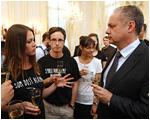 Prezident Andrej Kiska prijal účastníkov programu Teach for Slovakia