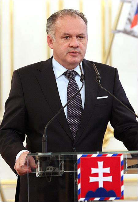 Prezident SR vyhlásil referendum 7. februára 2015