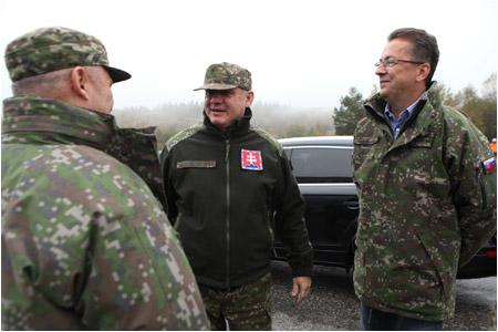 Prezident SR navštívil výcvikový priestor Lešť