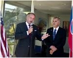Prezident otvoril v San Diegu centrum pre začínajúce slovenské firmy